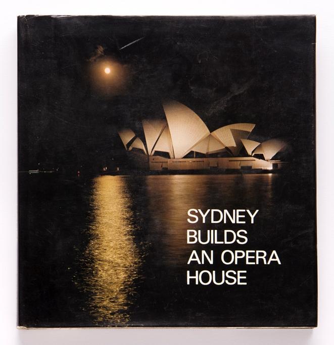 Sydney builds an opera house